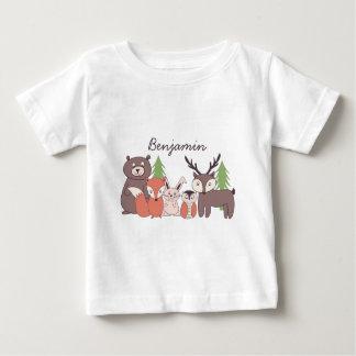 Los niños personalizaron la camiseta del tema del poleras