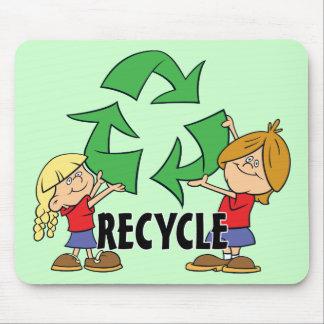 Los niños reciclan tapete de raton