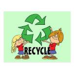 Los niños reciclan tarjetas postales