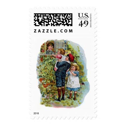 Los niños saludan a su madre sello