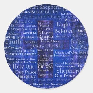 Los nombres del arte cruzado azul del Jesucristo Pegatina Redonda