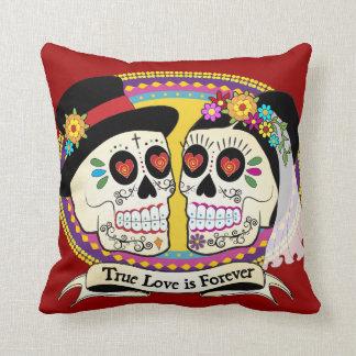 Los Novios English Pillow