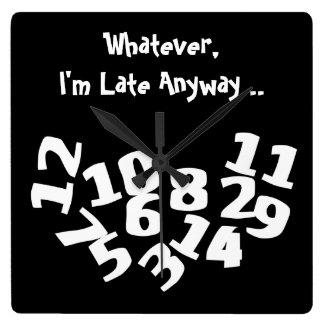 Los números caidos divertidos soy atrasado de todo reloj cuadrado