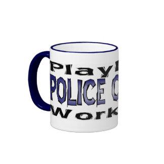 Los oficiales de policía - juegue taza a dos colores