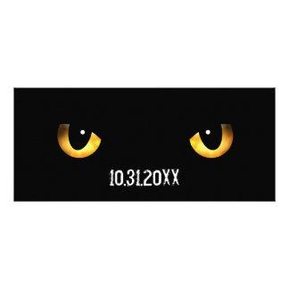 Los ojos de gato asustadizos de Halloween Comunicado