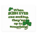 Los ojos irlandeses bromean en las postales del ir