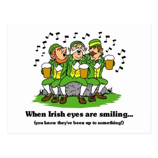 Los ojos irlandeses están sonriendo postal