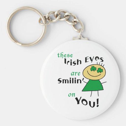 Los ojos irlandeses son regalos sonrientes llavero personalizado