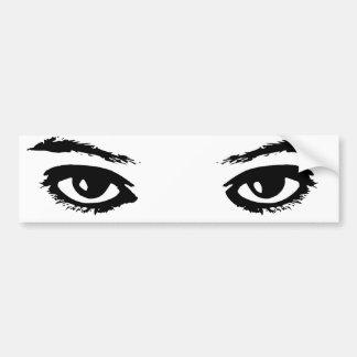 Los ojos lo tienen pegatina de parachoque