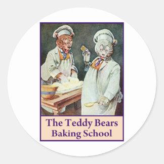 Los osos de peluche que cuecen la escuela etiqueta redonda