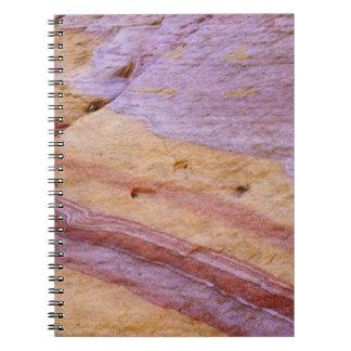 Los óxidos de hierro colorean una formación de la  libros de apuntes