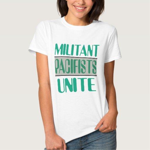 Los pacifistas militantes unen la camiseta playeras