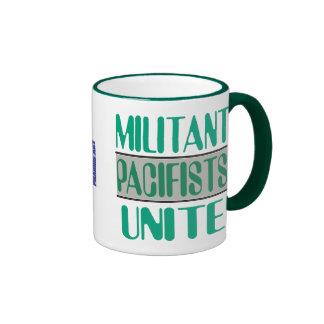 Los pacifistas militantes unen la taza