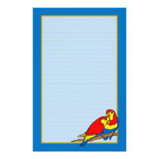 Los pájaros azules amarillos rojos del amor multan  papeleria de diseño