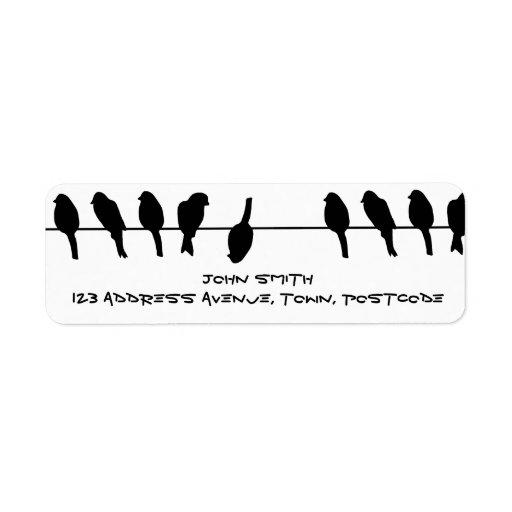 Los pájaros en un alambre - atrévase a ser diferen etiquetas de remite