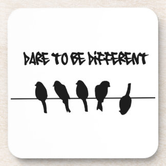 Los pájaros en un alambre - atrévase a ser diferen posavasos
