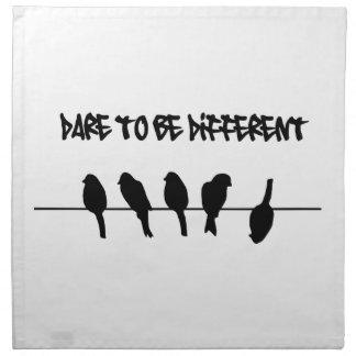 Los pájaros en un alambre - atrévase a ser diferen servilletas