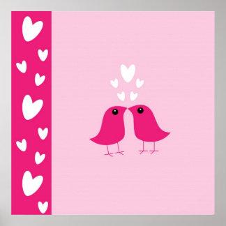 Los pájaros lindos aman los corazones poster, idea