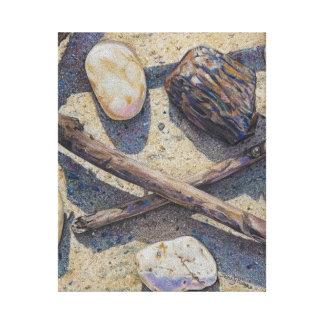 los palillos y las piedras colorean el lápiz en lona envuelta para galerías