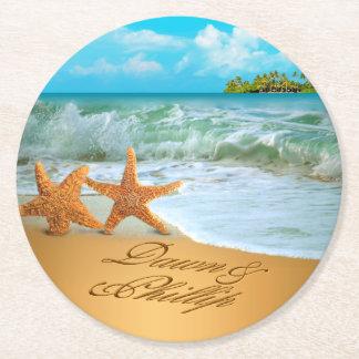 Los pares de las estrellas de mar del amanecer posavasos personalizable redondo