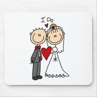 Los pares del boda hago las camisetas y los regalo tapete de ratones