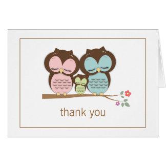 Los pares lindos de la familia del búho le agradec tarjeta pequeña