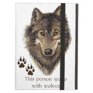 Los paseos con los lobos citan el logotipo salvaje