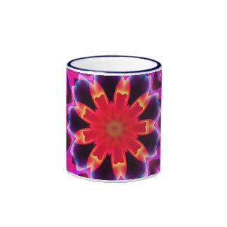 Los pedazos ideales, flor vibrante del caleidoscop taza a dos colores