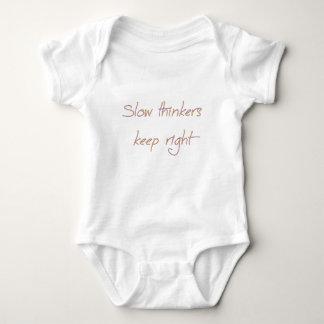 los pensadores lentos guardan a la derecha body para bebé