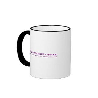 Los pequeños propietarios de negocio hacen todo tazas de café