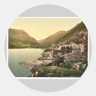 Los Peris de Lyn pasan, Llanberis, País de Gales Pegatina Redonda