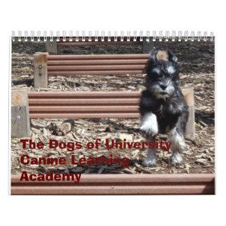 Los perros de la academia de aprendizaje canina de calendario