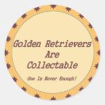 Los perros perdigueros de oro son cobrables pegatinas redondas