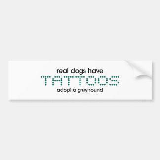 Los perros reales tienen tatuajes pegatina para auto