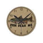 Los pescados divertidos del pescador me temen relojes