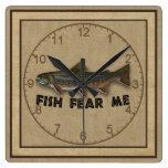 Los pescados divertidos del pescador me temen reloj