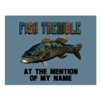 Los pescados divertidos tiemblan postales