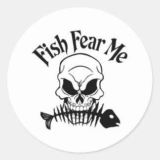 Los pescados me temen pegatinas redondas