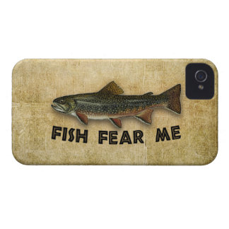 Los pescados me temen pesca divertida iPhone 4 Case-Mate protectores