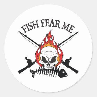 Los pescados me temen pirata pegatina redonda