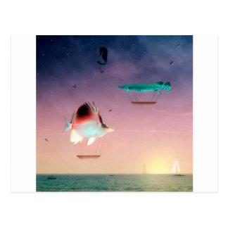 Los pescados nadan mejor entre la noche y el día tarjeta postal