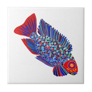 Los pescados tropicales diseñan la teja decorativa