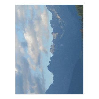 Los picos más altos de las montañas de Tatra. De i Postal