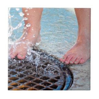 los pies por el dren pintado clavan fountian.JPG Tejas