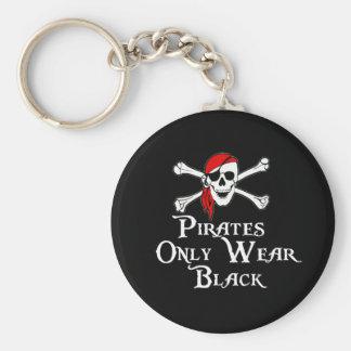 Los piratas llevan solamente negro llaveros