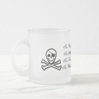 Los piratas no beben la taza helada agua