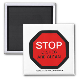 Los platos de la parada son imán limpio del lavapl
