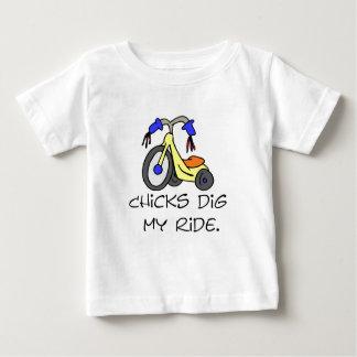 Los polluelos cavan mis camisetas y regalos del playera