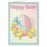 Los polluelos celebran Pascua Felicitaciones