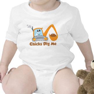 Los polluelos me cavan trajes de bebé
